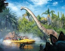 定番のアトラクション「Jurassic Park − The Ride」 ©2014 NBC Universal